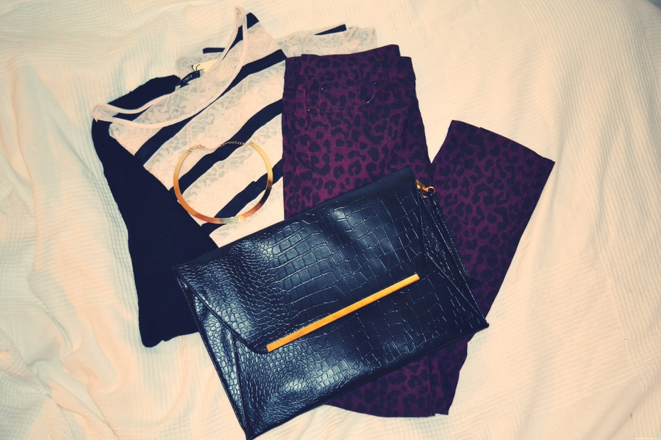 new-in-clothes-clutch-leo-jeans-blouse