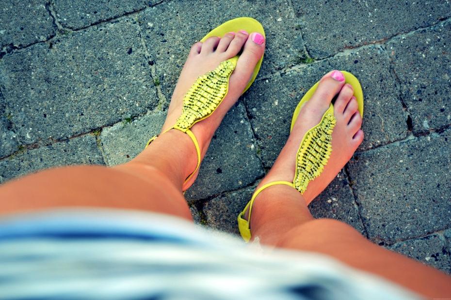 Gule-zara-sandaler