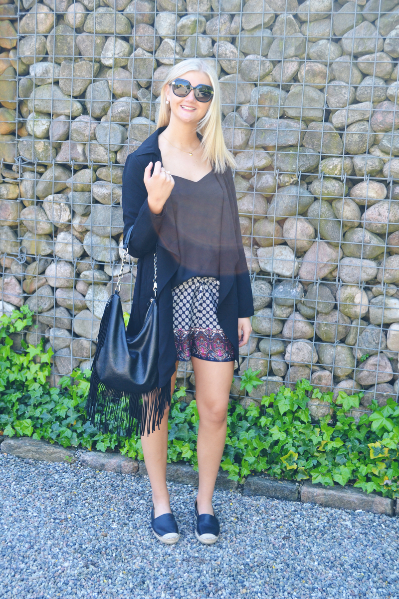 outfit-mønstrede-shorts