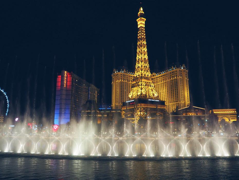 Water-show-Las-Vegas